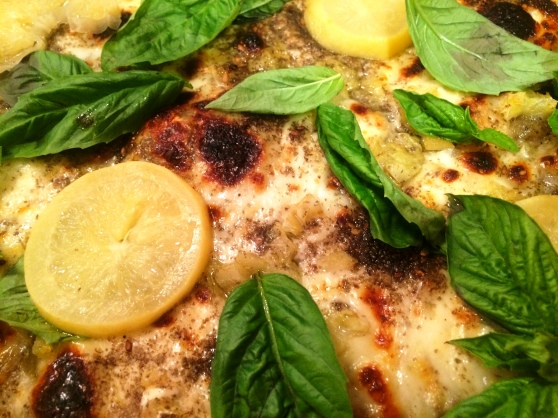 Zaatar pizza closeup