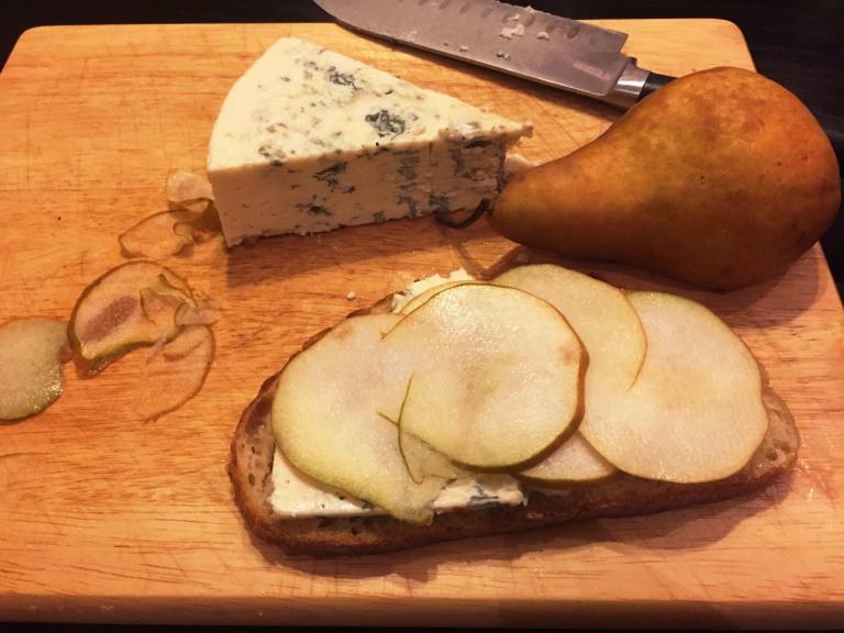 Pear gorgonzola 2